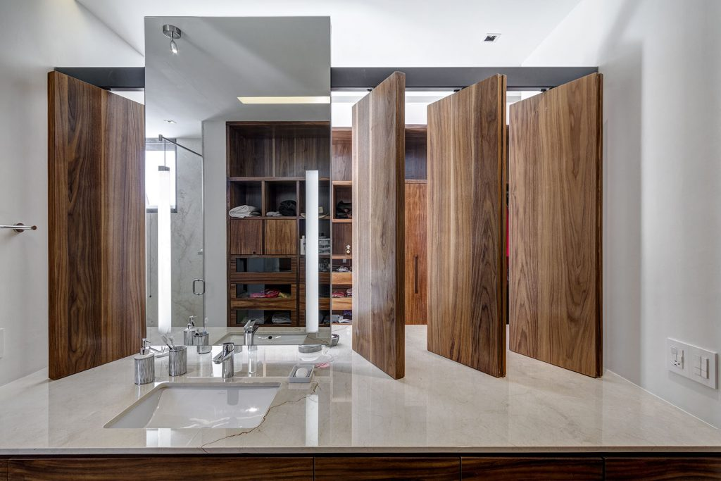 arquitectura lassala orozco Casa puerta al Bosque en Jalisco México. Americas Property Award 2017. Baño