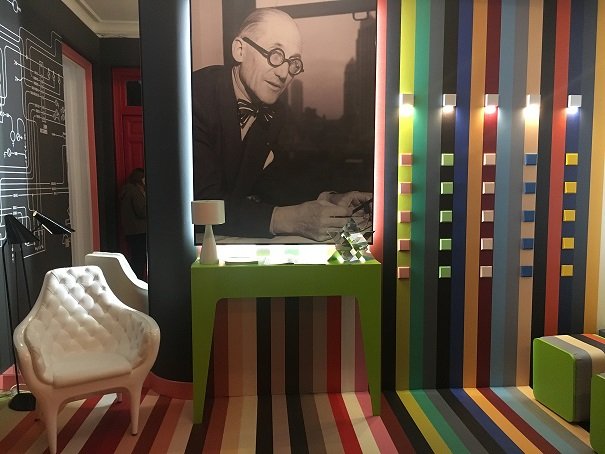 espacio jung en casa decor 2018. LS 990 Le corbusier