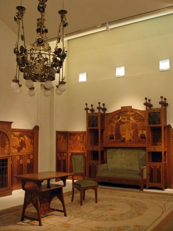 Mobiliario de la casa expuesto en el MNAC casa lleó morera Barcelona