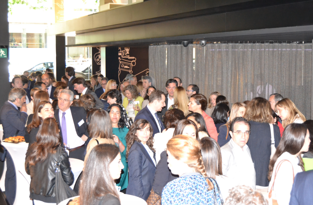 Presentación Roca Gallery wires women in real estate spain