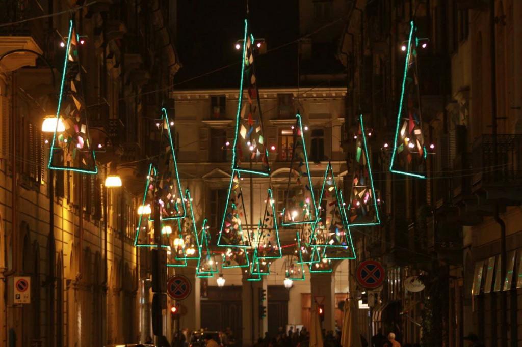 2-Vele-di-Natale-di-Vasco-ARE-in-via-Lagrange