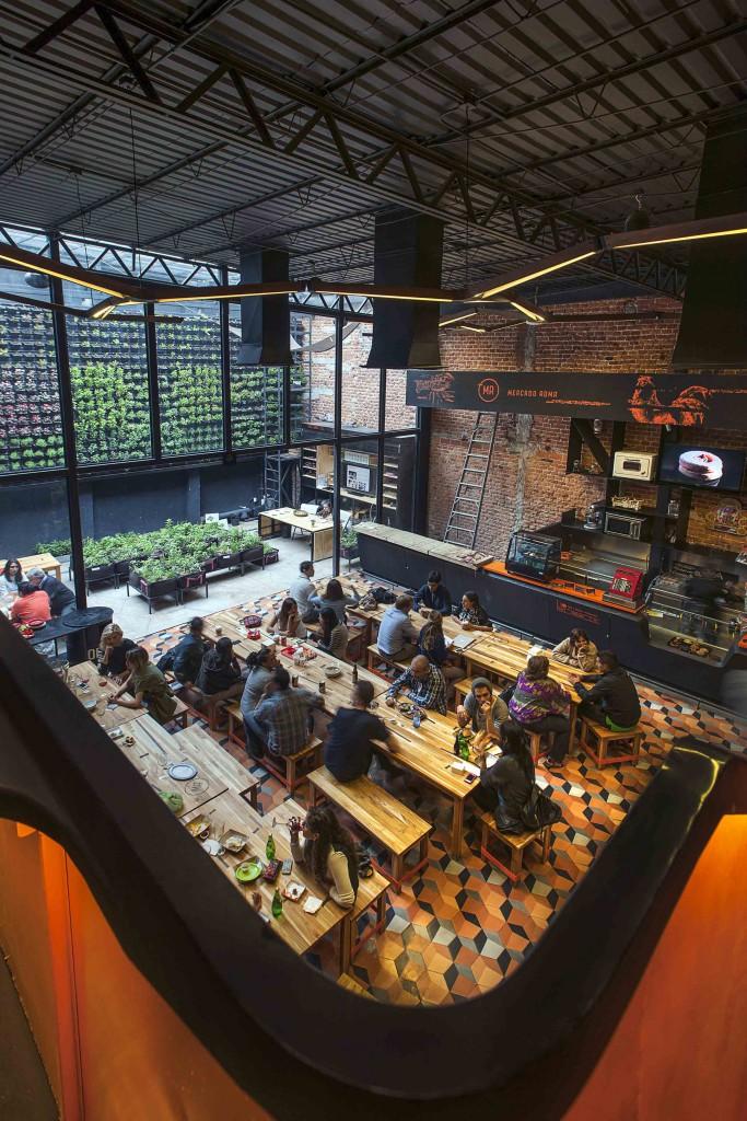 2.- MERCADO ROMA - CADENA + ASOC. Y MICHEL ROJKIND premios cidi bienal interiorismo, diseño y paisajismo.