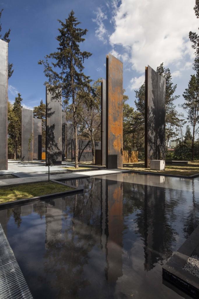 22.- MEMORIAL DE VÍCTIMAS DE LA VIOLENCIA - GAETA + SPRINGAL ARQS. premios cidi bienal interiorismo, diseño y paisajismo.
