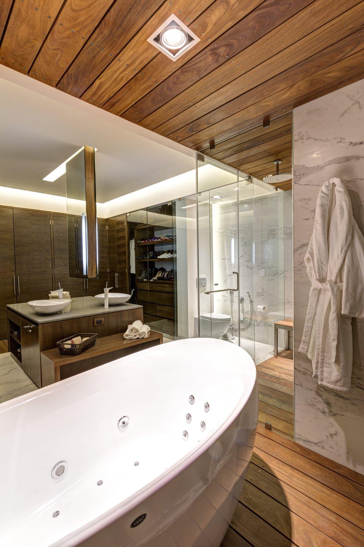 lassala + orozco arquitectos mexico. bañera y ducha madera