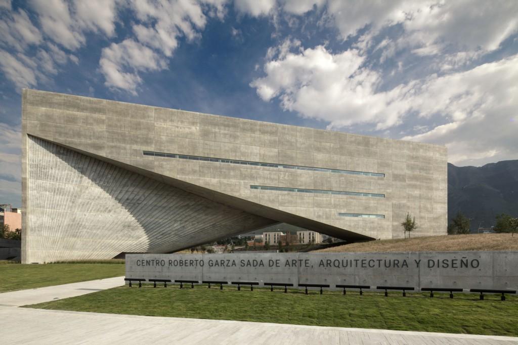 46.- CENTRO ROBERTO GARZA SADA - TADAO ANDO ARCHITECTS premios cidi bienal interiorismo, diseño y paisajismo.