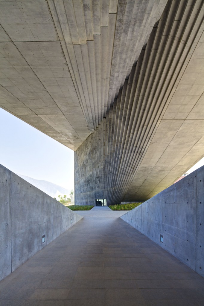 48.- CENTRO ROBERTO GARZA SADA - TADAO ANDO ARCHITECTS premios cidi bienal interiorismo, diseño y paisajismo.