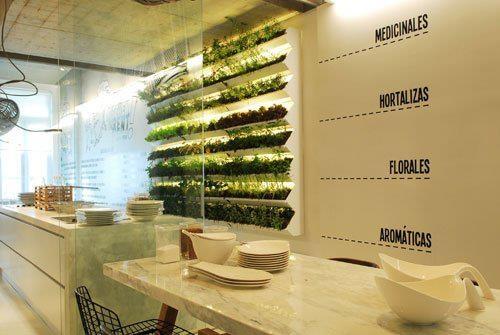 interior-casa-con-arboles-dentro Diseño y naturaleza. Jardín vertical
