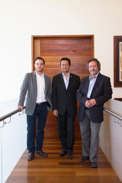 Guillermo Orozco, Juan Bernardo Dolores y Carlos Lassala en Casa RC.