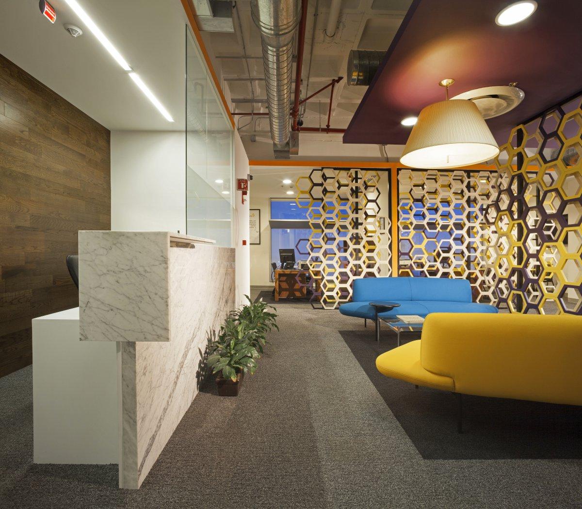 oficinas astra zeneca-mexico-by-space-arquitectura-juan-carlos-baumgartner-recepcion-2