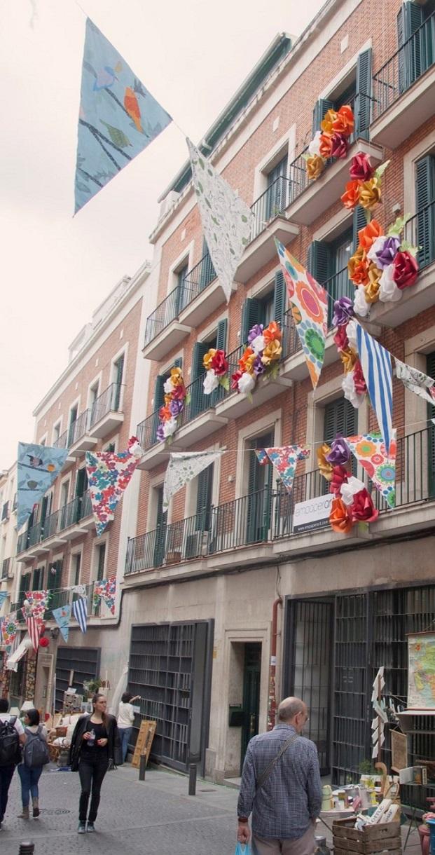 Empaperat : Papel, cartón, pasión. Flores para #DecorAcción.