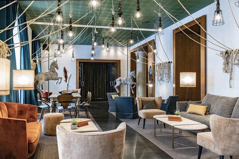 HOTEL VINCCI SOHO MADRID. ALEJANDRA POMBO INTERIORISTA. foto David Montero salon de piano Bambalinas 2
