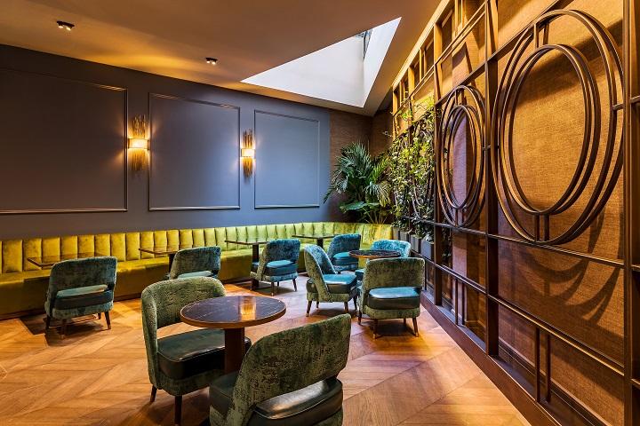 Hotel ROOM MATE GORKA en San Sebastián. Lobby diseño Cuarto Interior
