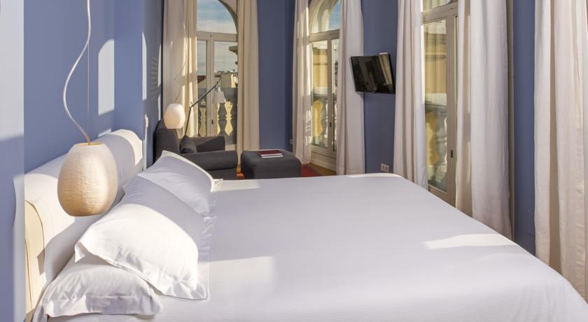 hoteles-literarios-iberostar-las-letras-gran-via-3-madrid-ruta-librera-mientrasleo