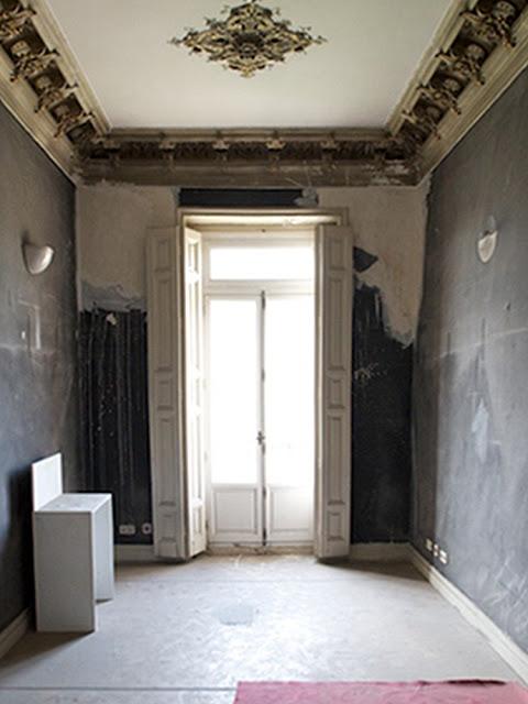 Parte de un espacio de Casa Decor antes de su decoración.