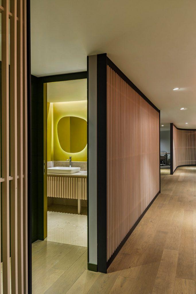 Oficinas JTI Turquia by lagranja Design.