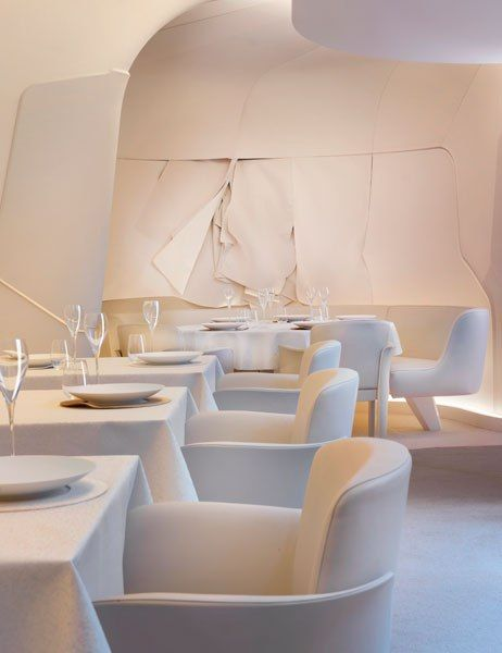 Restaurante de el Hotel Mandarin Oriental en Paris. Fuente Architectural Digest interiorismo corporativo