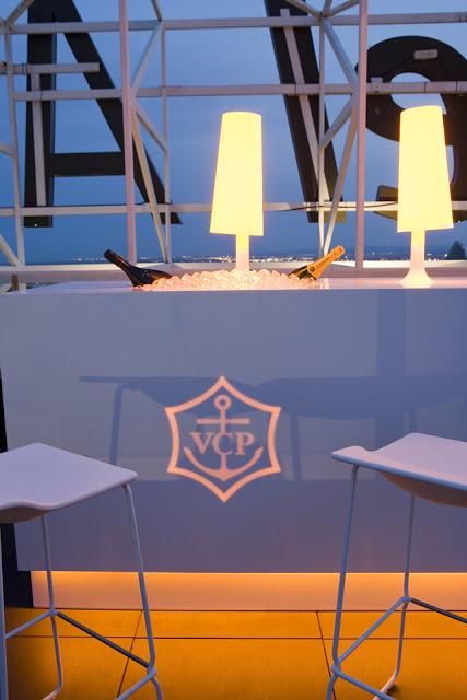 Sky bar , Porcelanosa-Grupo_projects_Krion_Vertical_Gerald-Kiernan_Y7B0330