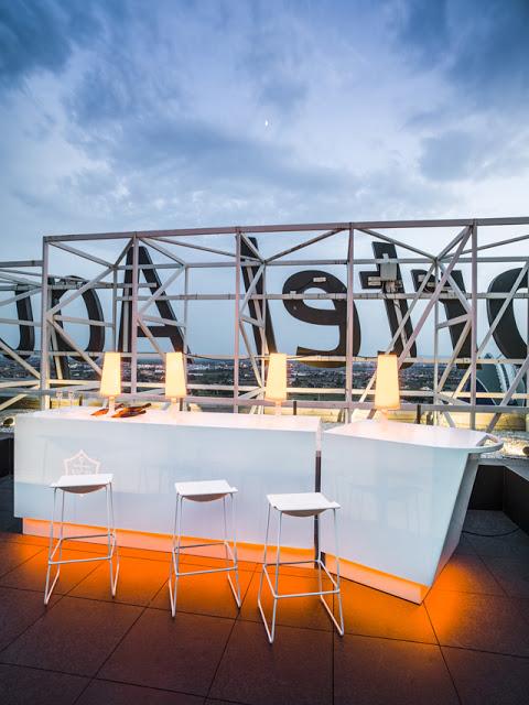 Sky bar .Porcelanosa-Grupo_projects_Krion_Vertical_Gori-Salva_A4510409