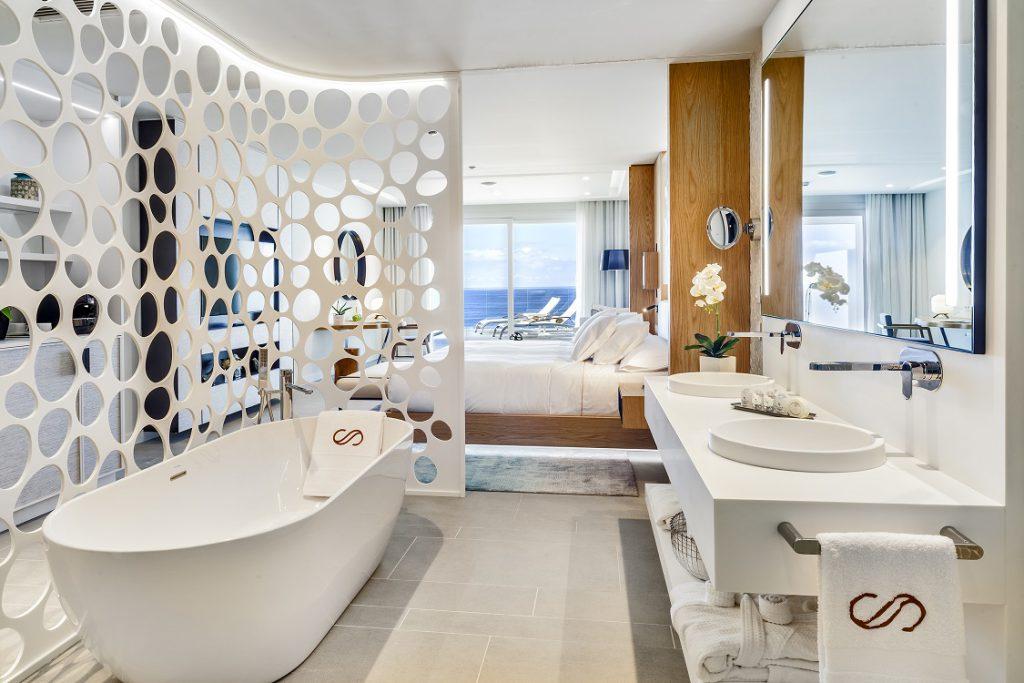Royal Hideaway Corales Resort. Adeje Tenerife. Arquitecto Leonardo Omar. Suite