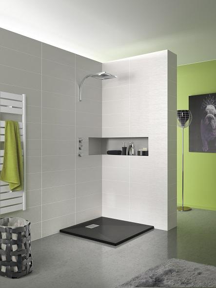 Como instalar un plato de ducha de resina 10decoracion for Suelo negro brillante