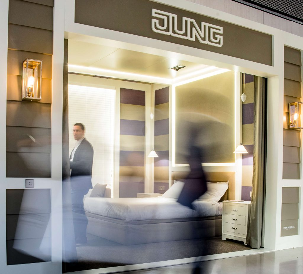 showroom-para-hotel-jung- soluciones domoticas para hoteles Jung