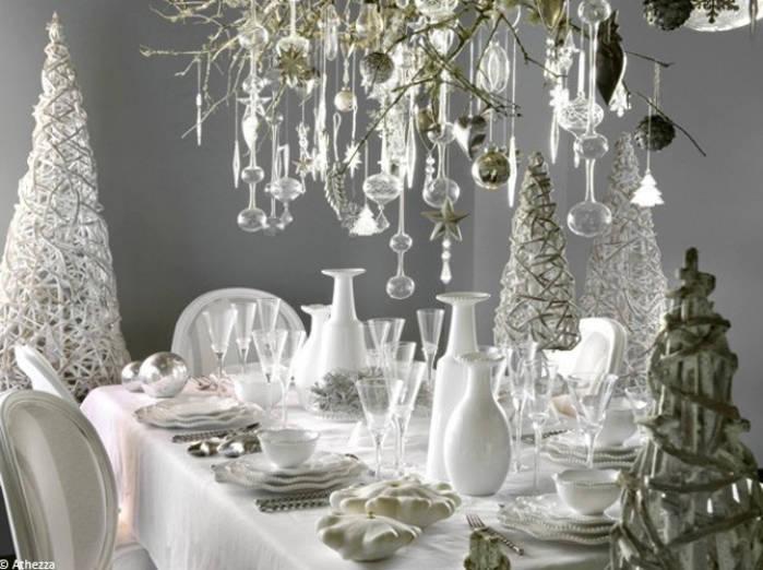 Un-total-look-blanc decoracion de navidad blanco y cristal. Ideas para poner la mesa en Navidad