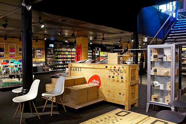 Exposición Vitra (Eames) Vincon Barcelona,  una tienda con historia.
