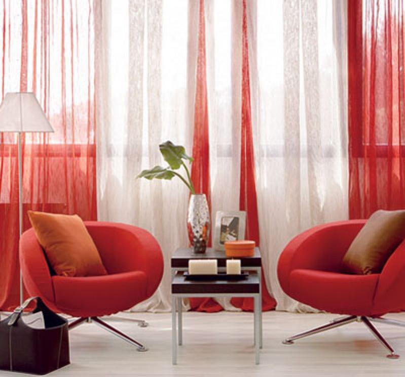 ¡ Combina cortinas y estores en tu hogar !