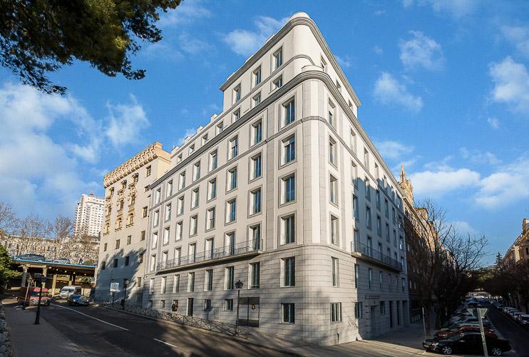 be mate madrid. Exterior Apartamentos Be Mate Madrid Plaza de España Skyline