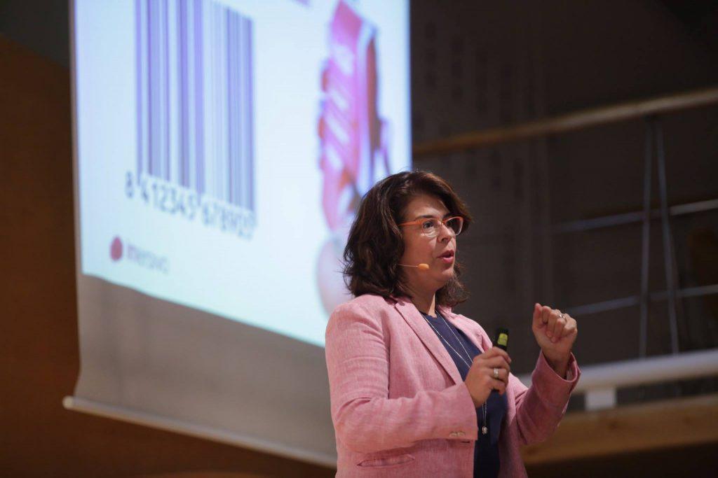 el-cliente-figital-.-Beatriz-Lara-imersivo-Retail-Design-Conference