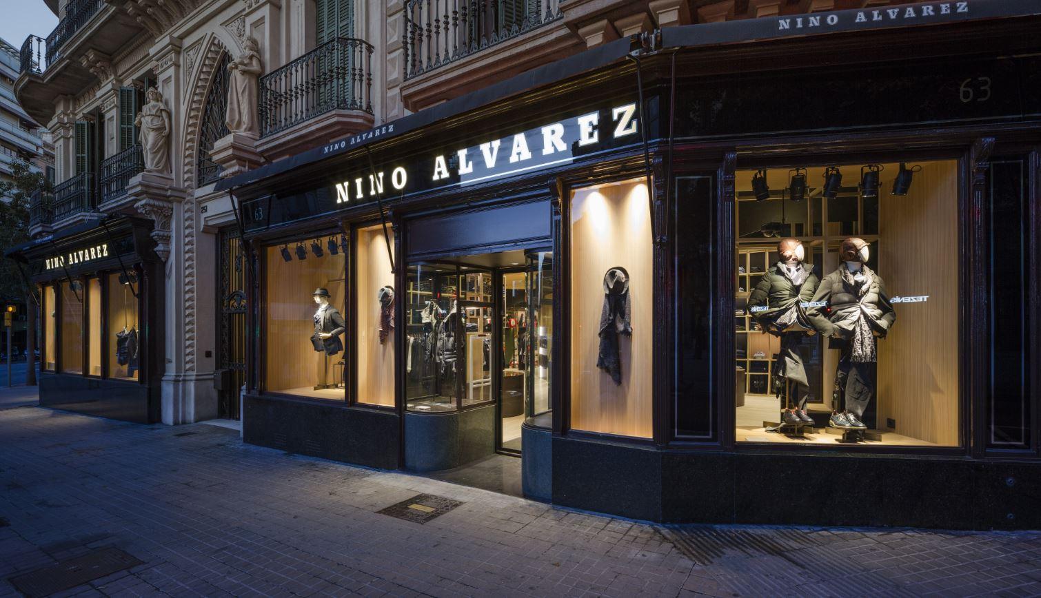 fachada nino alvarez retail Barcelona by Francesc Rifé retail