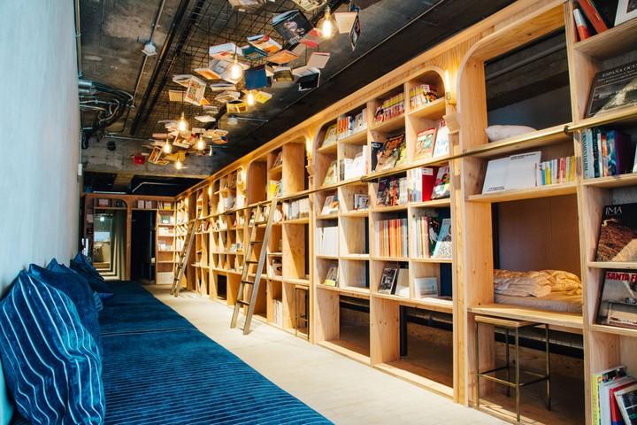 hoteles-literarios-book-and-bed-tokyo-kyoto-ruta-librera-mientrasleo-1