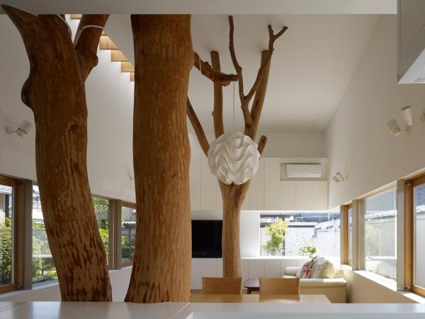 interior-casa-con-arboles-dentro Diseño y naturaleza.
