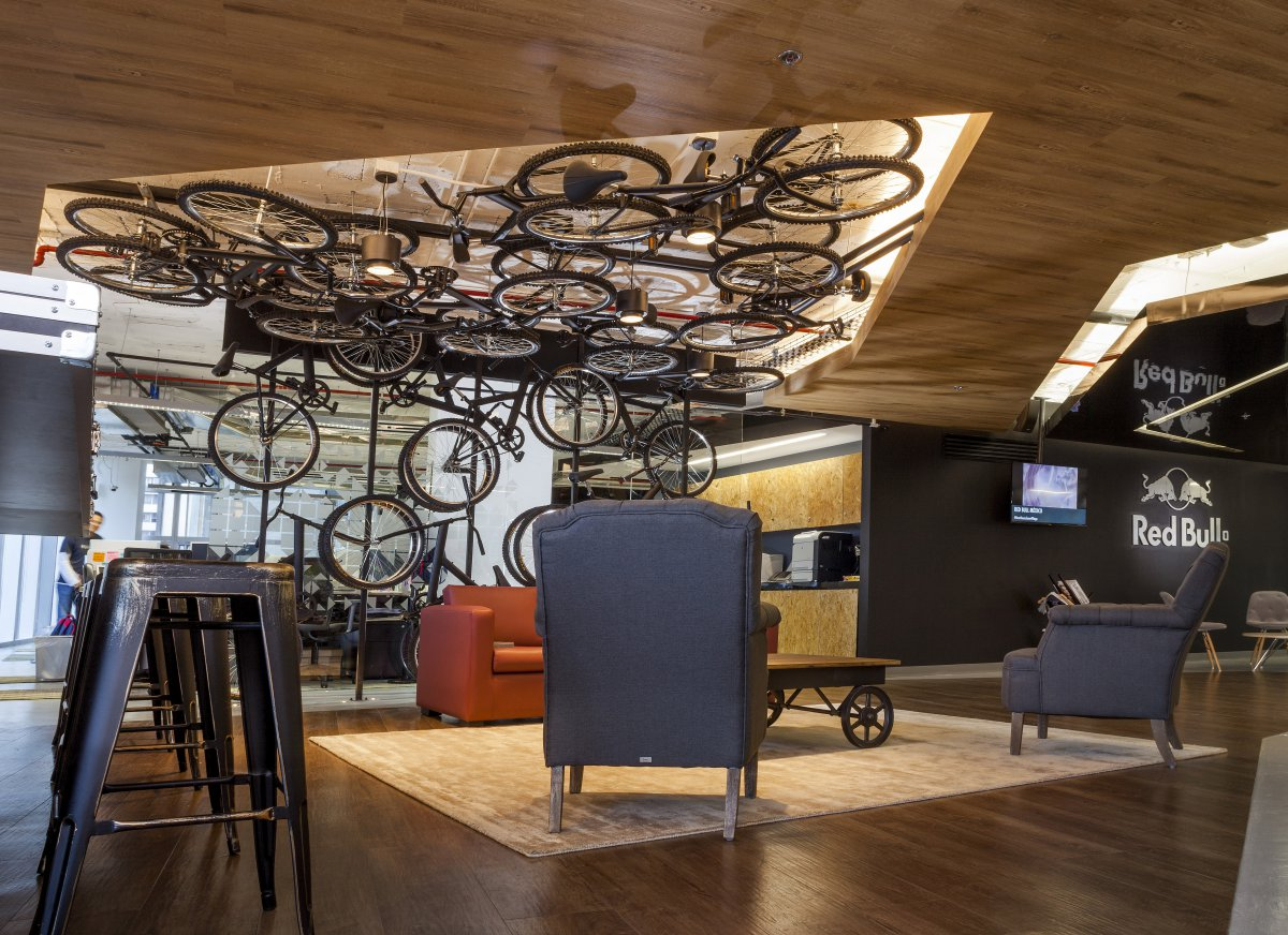 oficinas-red-bull-space-arquitectura-workplace-1