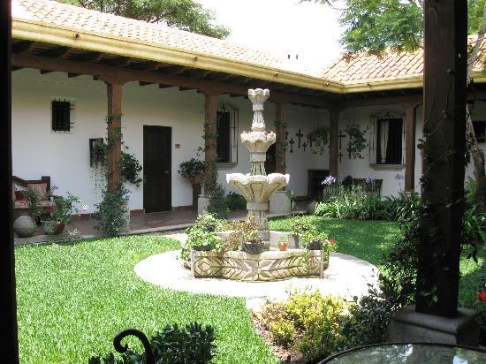 Patio interior y algunas 10decoracion - Planos de casas con patio interior ...