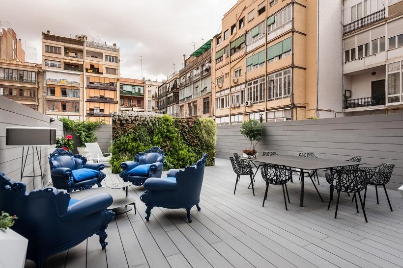 piso Ensanche Barcelona diseño de SINCRO. terraza y chill out
