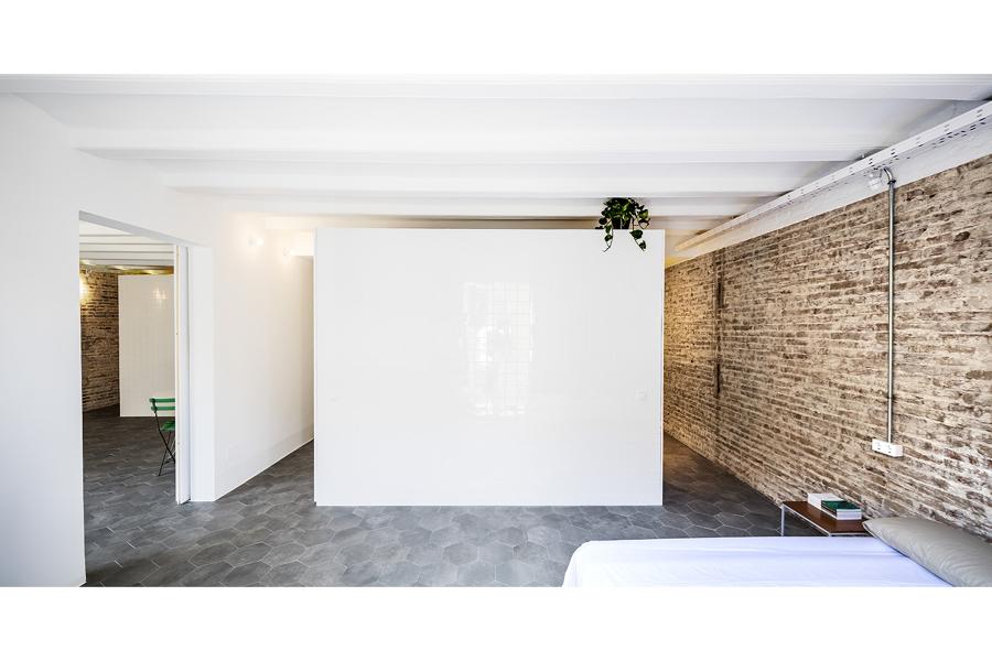 premio-proyectissimo-2016-estudio-ras-de-barcelona-pared-de-ladrillo-visto