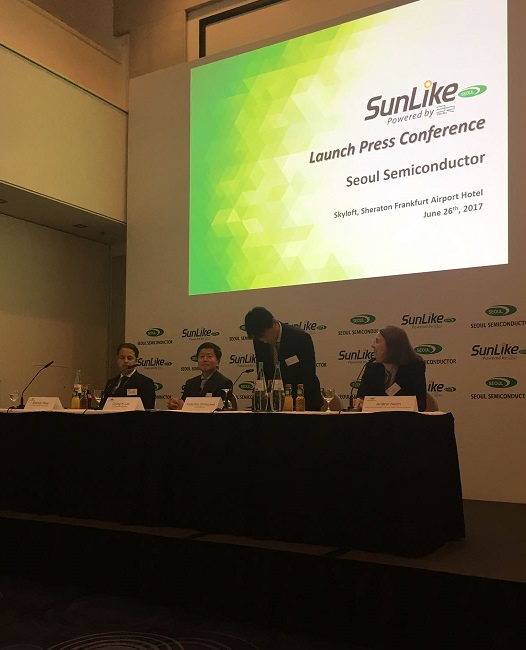 presentación Sunlike TRI R seoul semiconductor 10Deco arquinews. Amparo Martinez vidal (51)