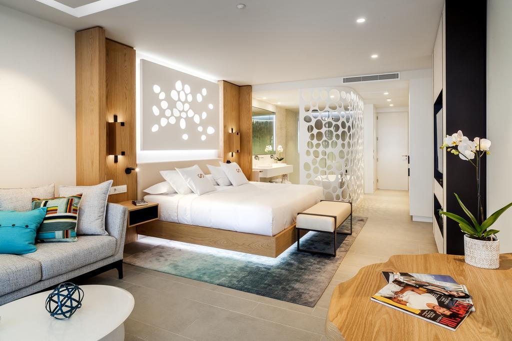 royal hideaway Corales resort Adeje. tenerife. Mejor Hotel 2018 habitaciones Leonardo Omar Arquitectos