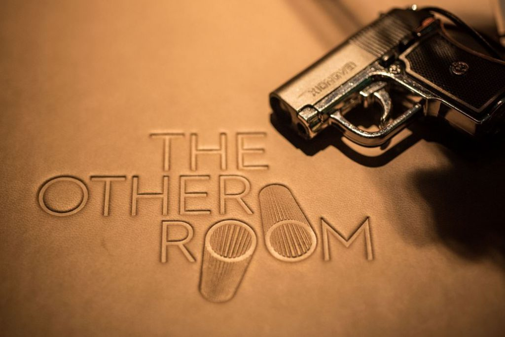 the-other-room-cocteleria-singapur-lagranja-design-logo