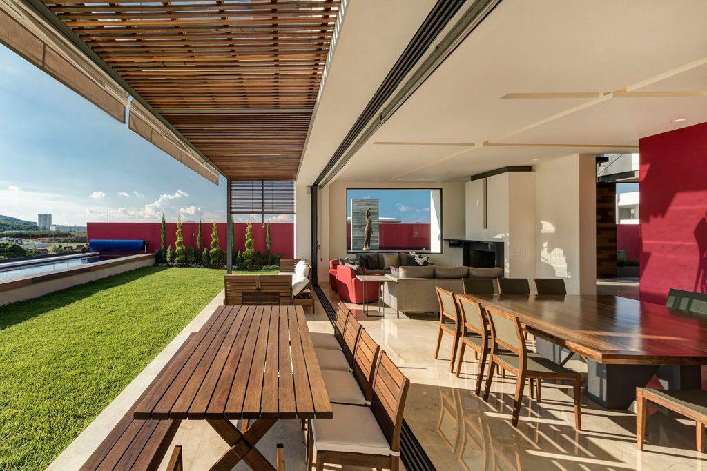 arquitectura lassala orozco Casa puerta al Bosque en Jalisco México. Americas Property Award 2017. Terraza