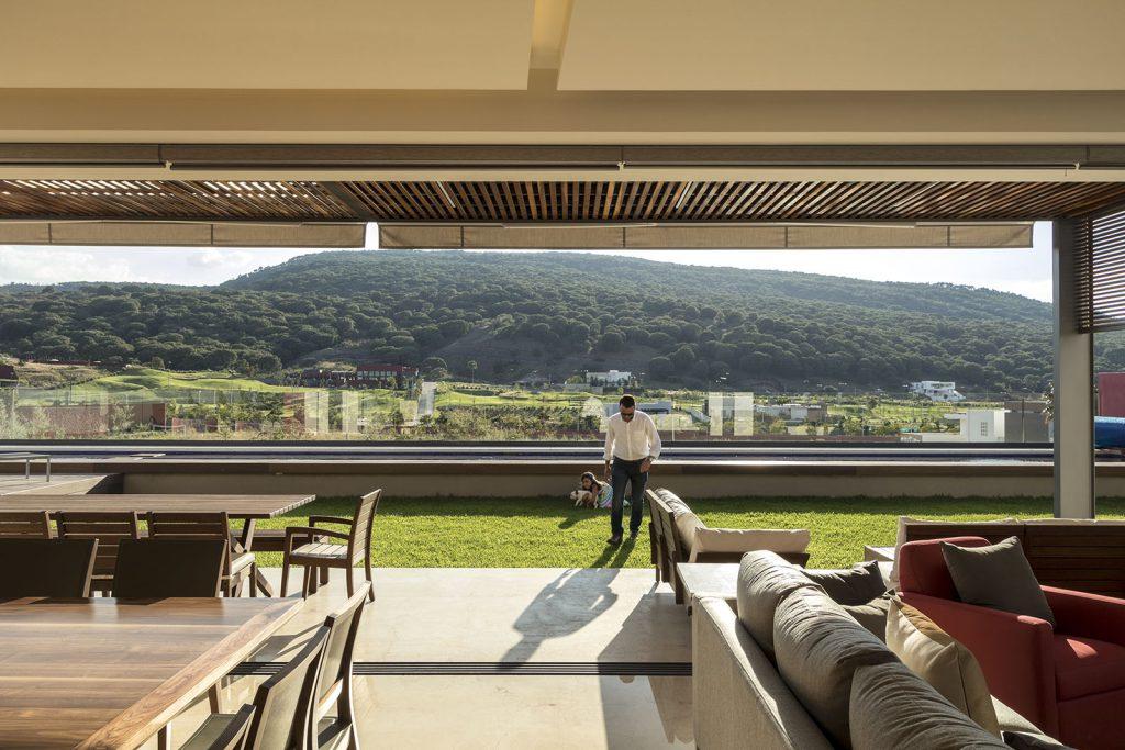 arquitectura lassala orozco Casa puerta al Bosque en Jalisco México. Americas Property Award 2017