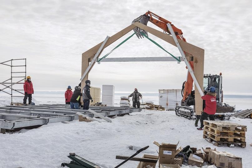 Construyendo la estructura . Fase de construcción de la vivienda Ariston Comfort Challenge