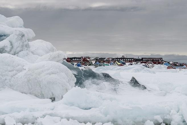 La aldea de Qeqertarsuaq, en la Isla de Disko, Groenladia ARISTON COMFORT CHALLENGE. Un reto a la Naturaleza. Vivienda modular en el Artico