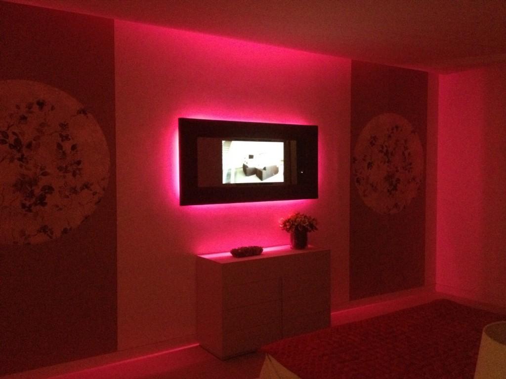 Miralay televisión espejo. Televisión integrada en espejo. Iluminación led de televisor