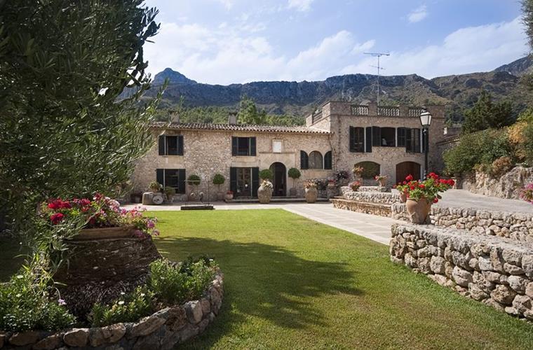 Alquiler de villa en Pollensa. House for rental Pollensa. Casa de Lujo en alquiler. Luxury house