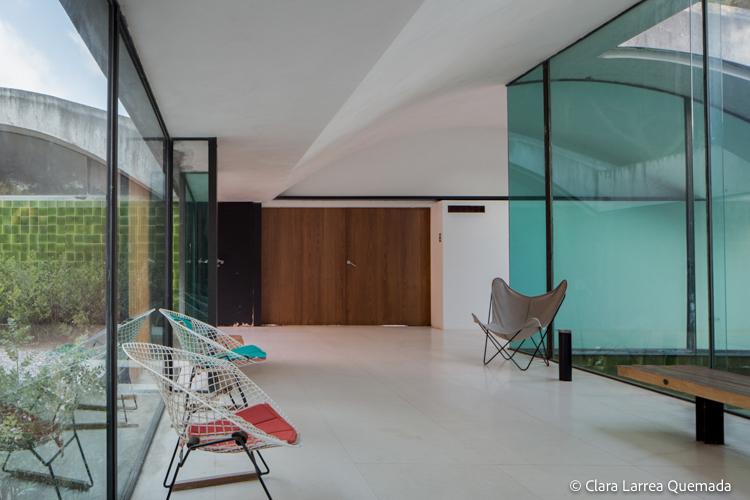 Fotografía de arquitectura de La Ricarda – Casa Gomis. ARQUITECTO: ANTONIO BONET CASTELLANA AÑO: 1953-1963 UBICACIÓN: EL PRAT DE LLOBREGAT, BARCELONA, CATALUNYA, ESPAÑ