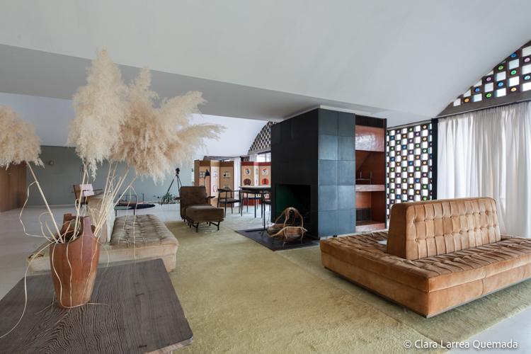 Fotografía de arquitectura de La Ricarda – Casa Gomis. ARQUITECTO: ANTONIO BONET CASTELLANA AÑO: 1953-1963 UBICACIÓN: EL PRAT DE LLOBREGAT, BARCELONA, CATALUNYA, ESPAÑA