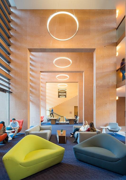 HIGHLAND HALL RESIDENCES © HUNTER KERHART_STANFORD Legorreta Medalla de Oro Bienal Iberoamericana Cidi de interiorismo, diseño y paisajismo WWBID 2018 interior design and landscape