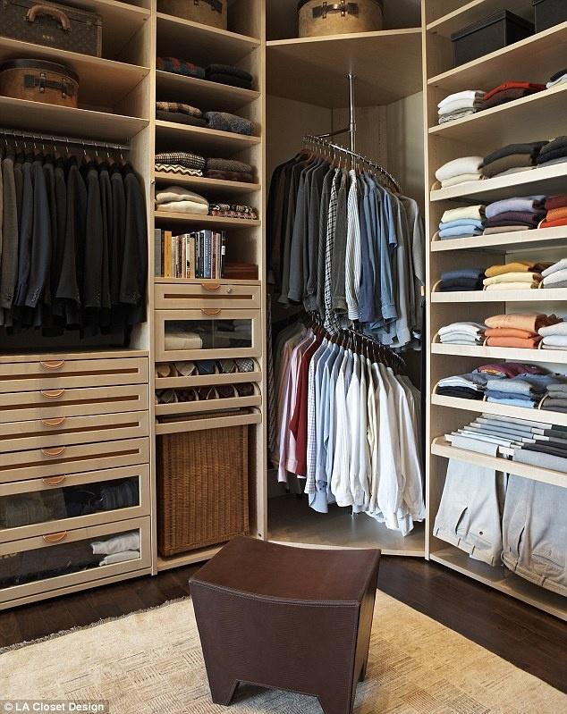 Organiza un vestidor a tu medida.. Vestidor perchas multiples